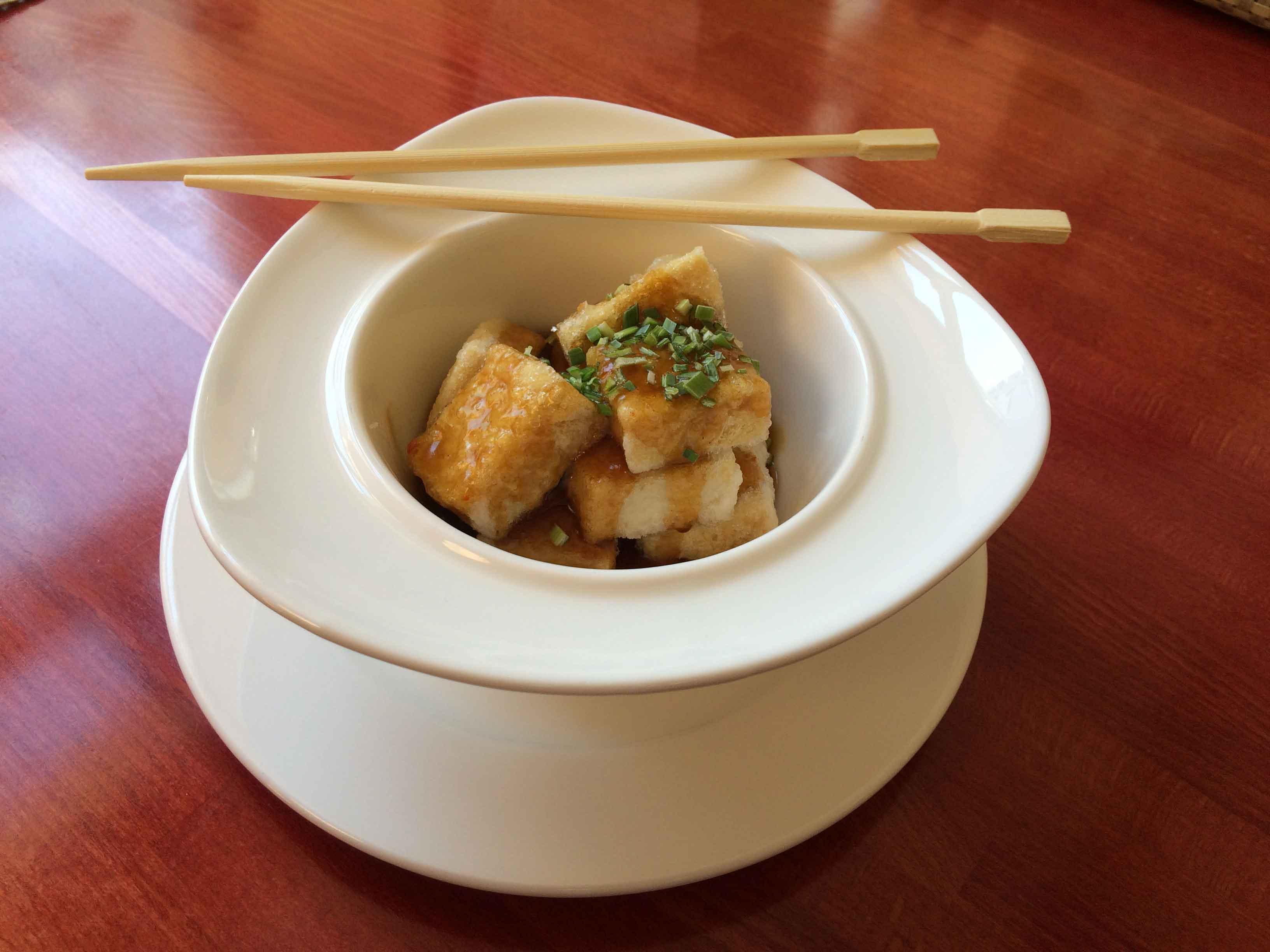 Gebackener Tofu mit Knoblauchsauce